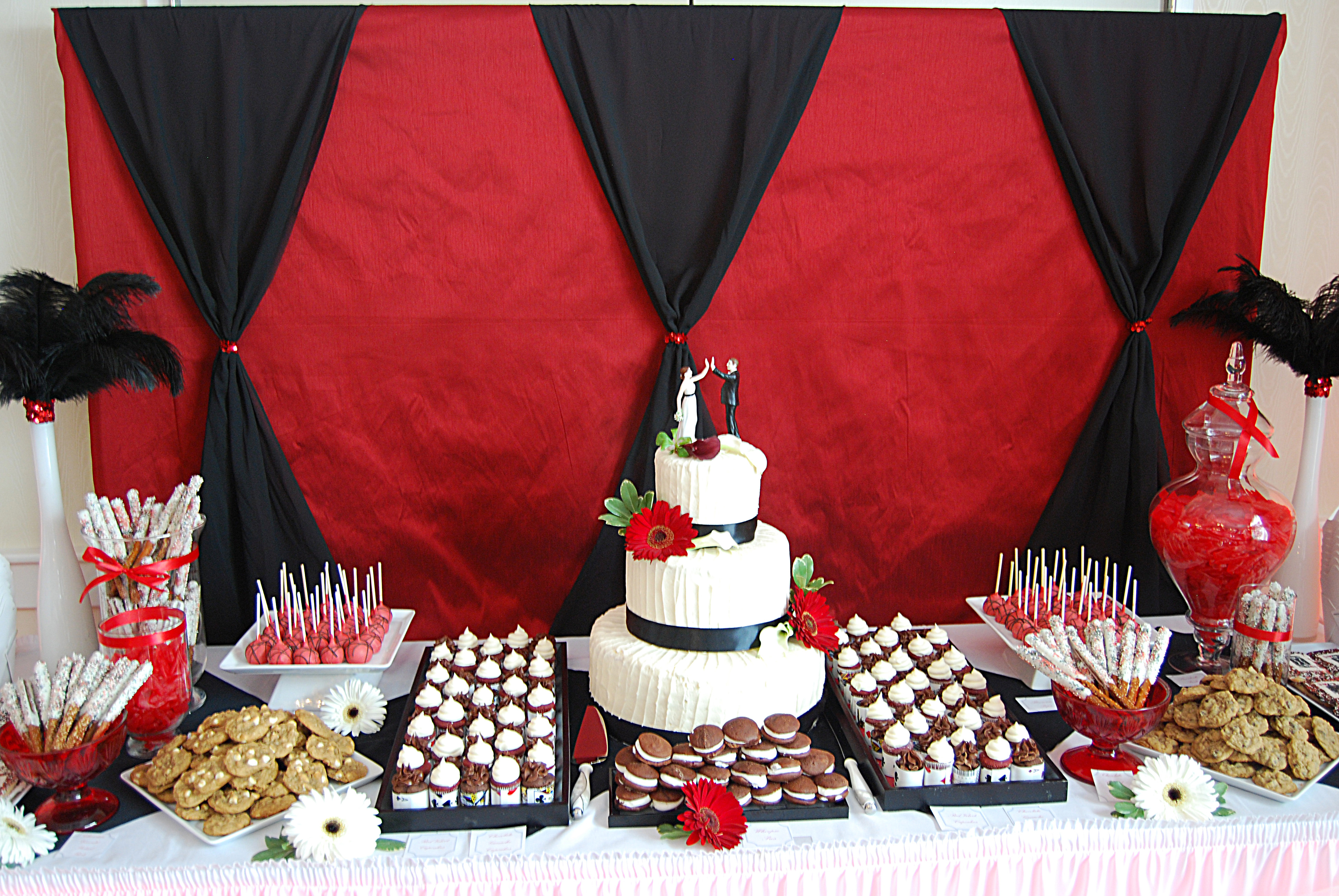 Nothing bakes like a parrott casino themed wedding desert table casino themed wedding desert table junglespirit Images